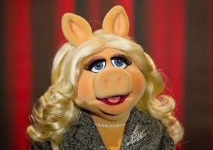 Miss-Piggy-Makeup